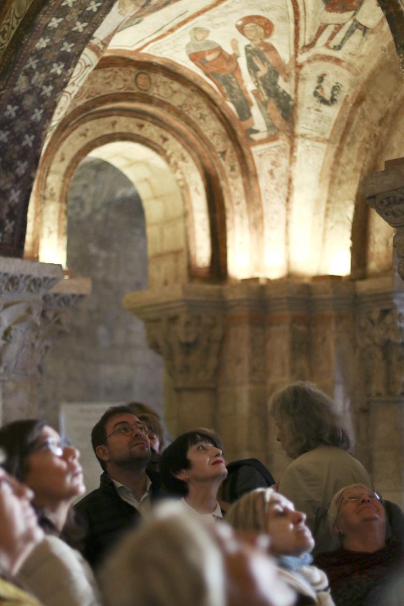 Lynn Picknett y Javier Sierra en el Panteón de los Reyes